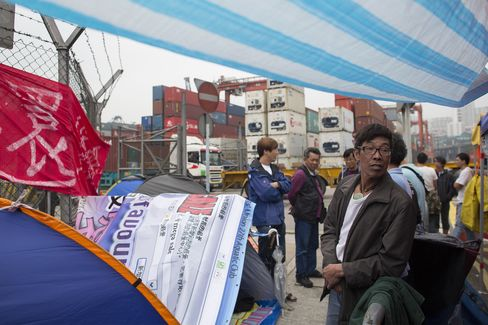 Hong Kong Port Workers to Hold Talks as Strike Enters 13th Day