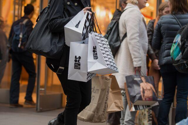 Buying Americans.Photographer: Craig Warga/Bloomberg