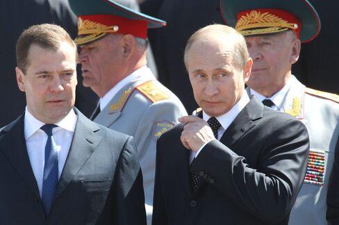 Intel to IBM Feel Putin Pinch as Medvedev Loses Hold on Tech Hub