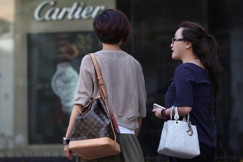 Asian Millionaires Outnumber Those in North America, Report Says