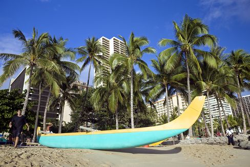 Hilton Head to Hawaii Revive in Vacation-Home Rebound