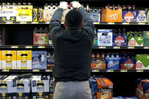 Wal-Mart Stacking Beer in Aisles to Double Alcohol Sales