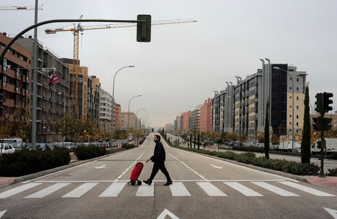 Spain Record Home Price Drop Seen With Bank Pressure