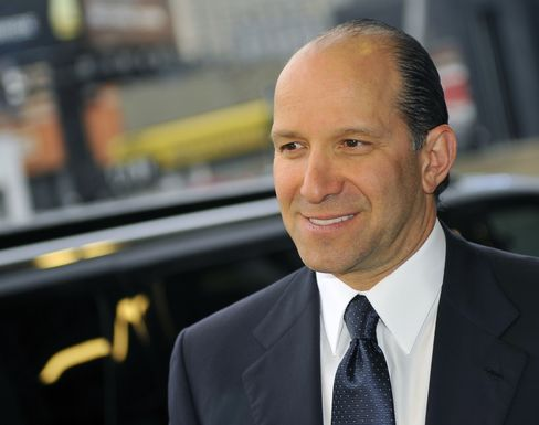 Howard Lutnick, chairman and chief executive office of Cantor Fitzgerald LP, arrives at the Robin Hood Foundation Gala in New York on May 14, 2012. Photographer: Stephen Chernin/Bloomberg
