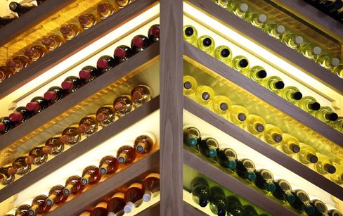Wine Critics More Sensitive to Flavors Buyers Can't Taste