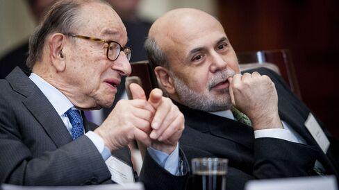 Former Fed Chairmen Ben S. Bernanke and Alan Greenspan