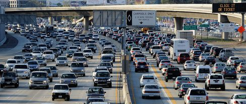 California Orders Automakers to Sell More Nonpolluting Cars