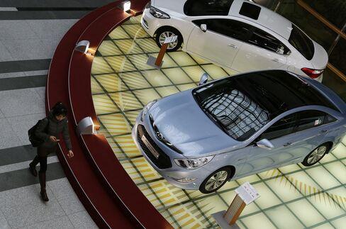 Hyundai Home Advantage Vanishes as Koreans Say Camry Best