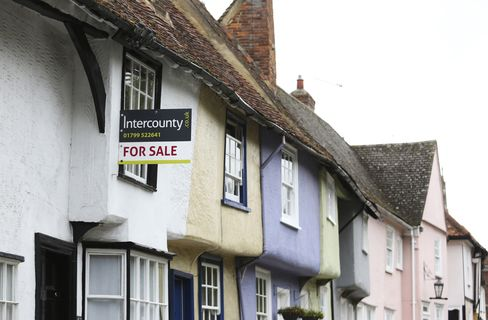 U.K. Home Values Drop as Olympic Knock-On Extends Summer Lull