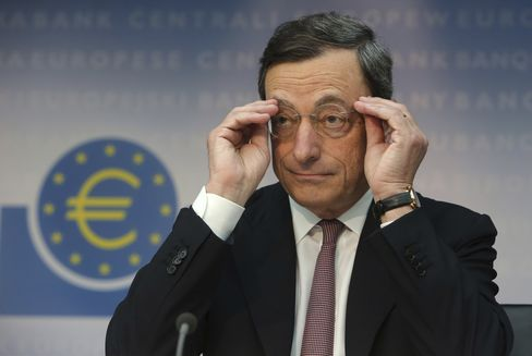 Draghi Boxes Himself Into a Corner With Bond Signal