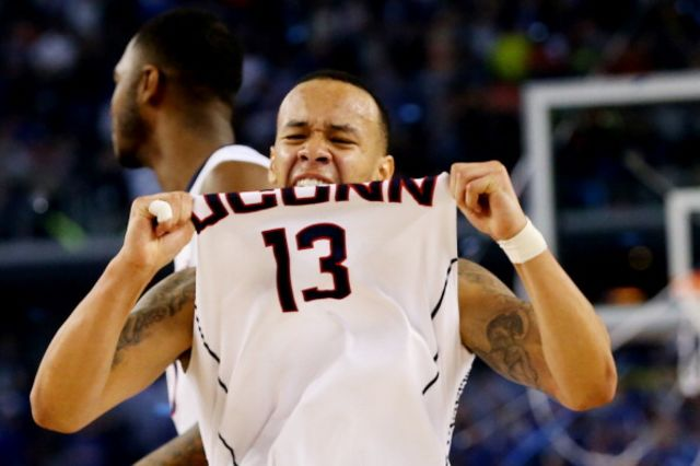 Just how hungry was Shabazz Napier? Photographer:  Ronald Martinez/Getty Images