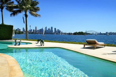 Sydney harborfront mansion of Ron Medich