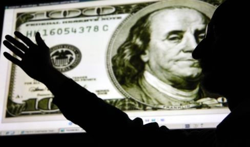 Dollar Index Drops to Lowest Since 2008 on Fed