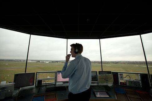 EU Pushes to Cut Air-Traffic Charges in Challenge to Controllers