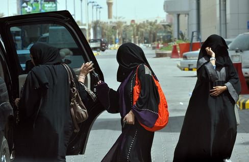 Saudi Woman Driver Sentenced to Lash After King Grants Vote