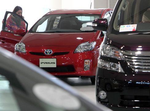 Toyota Leads Drop in Japan Car Sales After March Earthquake