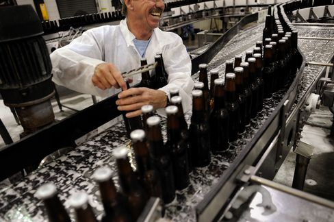 MillerCoors Seeks Spirits Fans With Bourbon-Like Lager: Retail