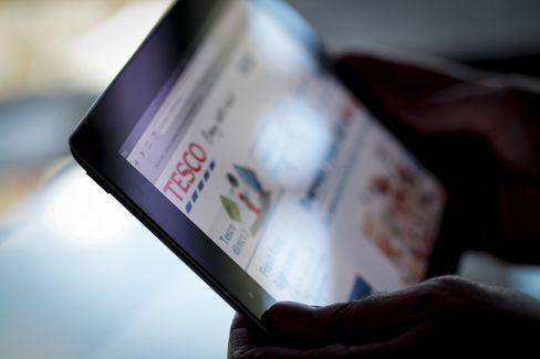 Tesco Sees Reversing Slump With Online Click Collection