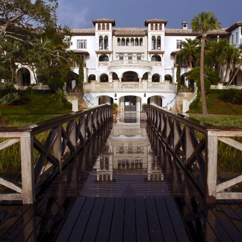Sea Island to sell most assets to Avenue Capital, Oaktree