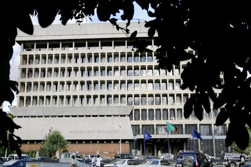 Zambia's Central Bank Lauds Policy as Sata Pushes Rate Cuts
