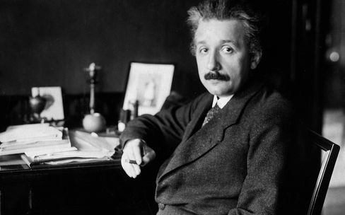 Einstein, Albert - Physicist, Germany/USA *14.03.1879-18.04.1955+ - at his desk - 01.01.1929 - Vintage property of ullstein bild