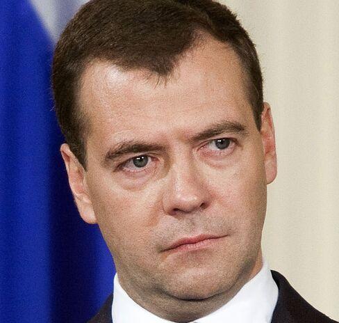 U.S. espionage claims recall cold war 'spy mania', Russia