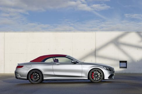 The Mercedes-Benz AMG S63 races into a crowded field.