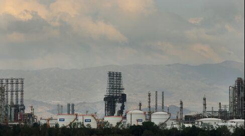 Argentina's Eskenazis in Refinancing Talks After YPF Seizure