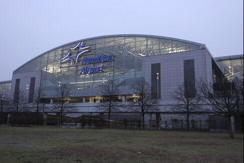 Cocaine Slump Shows Force of Frankfurt Night-Flight Ban