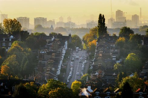 London Drives House Prices to Record as Buyers Flock to Market