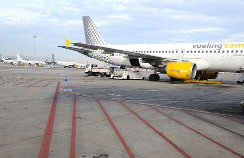 British Airways Parent IAG Boosts Bid Price for Spain's Vueling