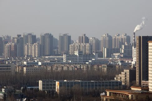 China Helps First-Home Buyer While Curbing Speculator