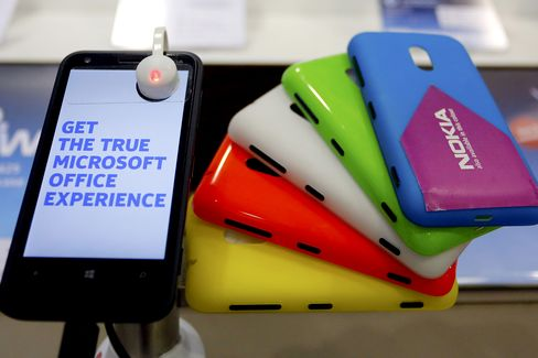 Microsoft's $7.2 Billion Nokia Bet Leaves Developers Cold