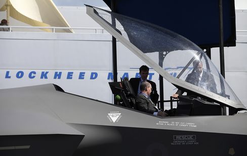 Lockheed Says It Won't Issue Layoff Notices on Budget Cuts