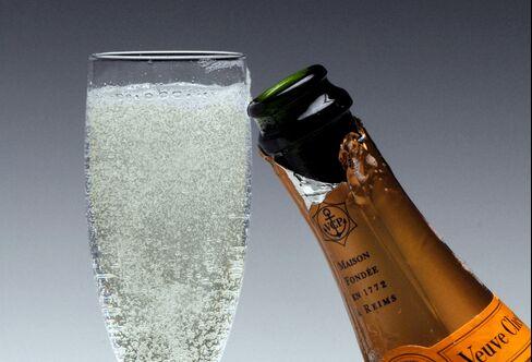 Champagne Makers Seek Valentine's Day Bonanza Against Slump