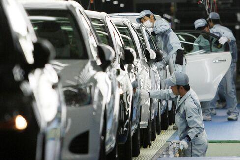 Toyota Tsunami Recovery Seen in 93% U.S. Sales Gain in May