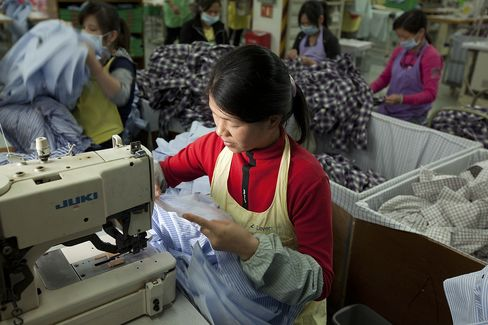 China Manufacturing May Expand for First Time in Thirteen Months