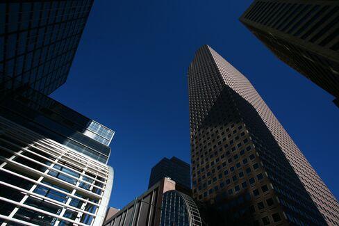 Wells Fargo Profit Rises