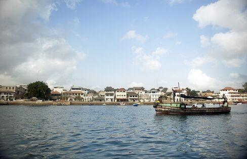 Kenya Spends $25 Billion on Bond-Backed Port for Oil