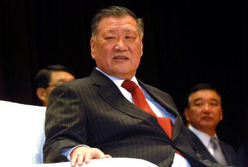 Hyundai Motor's Chung Nears Builder Deal