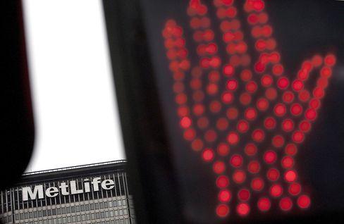 MetLife Cuts 2,500 Advisers Seen Lacking Chance of Success