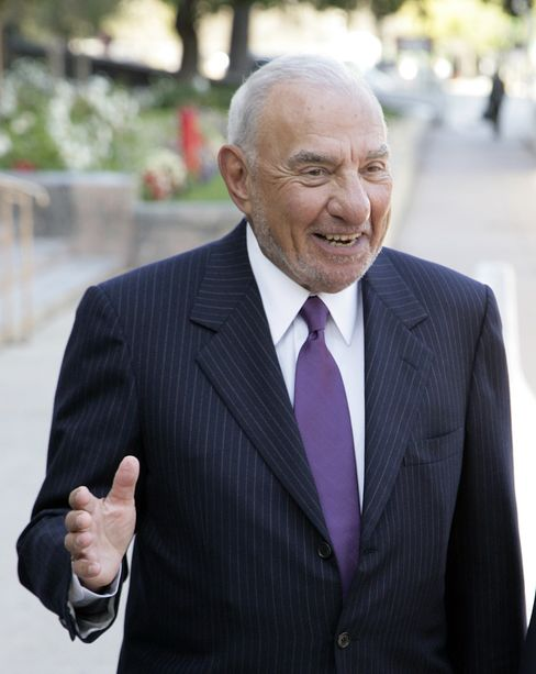 Melvyn Weiss, co-founding partner of Milberg Weiss Bershad Hynes & Lerach LLP, leaves the U.S. District Courthouse in Los Angeles, on Oct. 12, 2007. Photographer: Tim Rue/Bloomberg