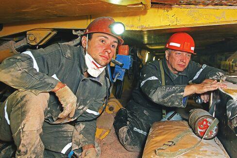 Potash Rift Seen Lasting as Asia Sales Said to Rile Uralkali