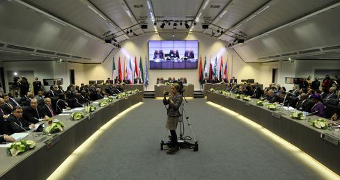 OPEC Uniting to Keep Quota Steady as Oil Heads for Best Year