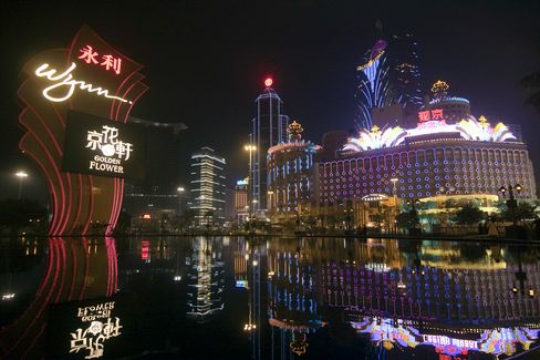 Macau Casino Gambling Revenue Rises 40% on VIP Tables