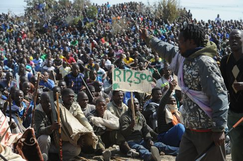 Lonmin Issues Workers Ultimatum as Government Meets on Killings