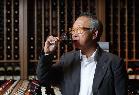 Woonsan Group Chairman Lee Hi-Sang