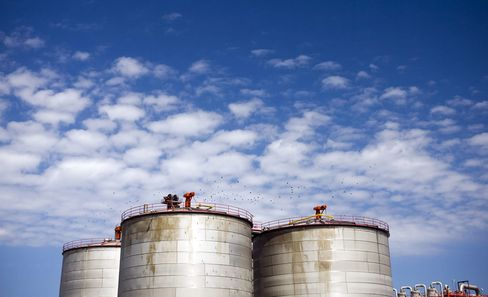 Targeting Ethanol Mandates Seen Hurting Cellulosic Fuel Growth
