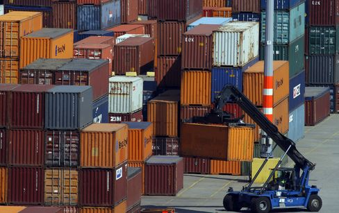 European Exports, Investments Hold Back Expansion
