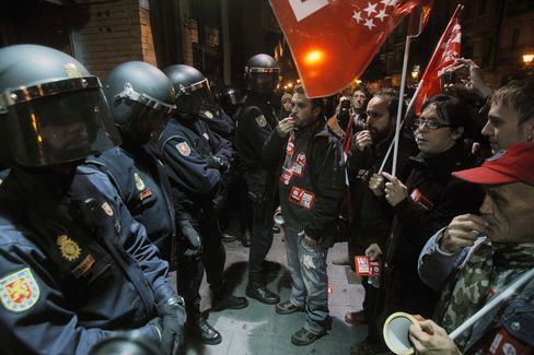 Europe Protest Austerity With Strikes in Spain, Italy Portugal